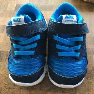 Toddler Size 6 Nikes. EUC